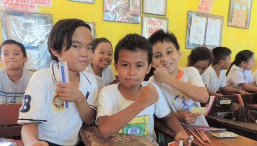 フィリピンの子供たちに会いに●●がやってきた!?