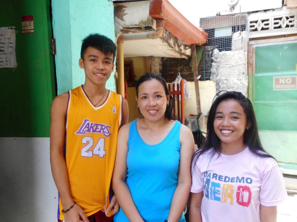 Ivonne family.JPG