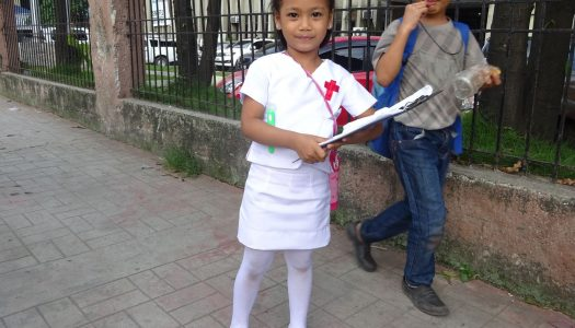 フィリピンの学校では衣装がたくさん必要!?