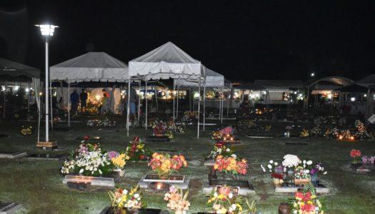 ハロウィンの夜、セブのお墓に潜入してきました!!