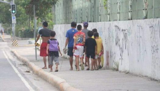 経済活動再開の波に取り残されるセブ市の人々